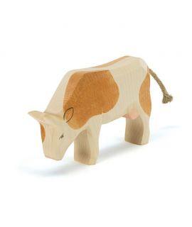 Vaca Marrón Comiendo de Madera - Ostheimer